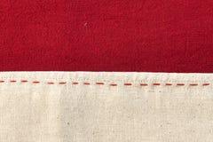 Texture thaïlandaise rouge et blanche de tissu Image libre de droits