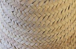 Texture tressée approximative de sombrero de paille Photos stock