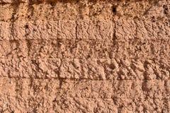 Textured ?ciana Borowinowy ceg?a dom w Sudan zdjęcie stock