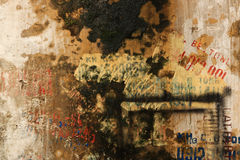 Textured Grunge ściany tło z graffiti Zdjęcia Royalty Free