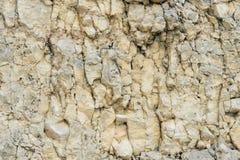 Textured kamienny tło gruzu balast w naturalnej formie w rockowej ścianie zdjęcie royalty free