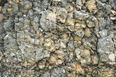 Textured kamienny tło gruzu balast w naturalnej formie w rockowej ścianie obrazy royalty free