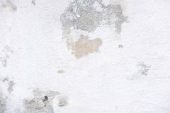 Texturen av en betongvägg som kollapsar och knäcker Textur av den gamla betongväggen Bas för design arkivfoton
