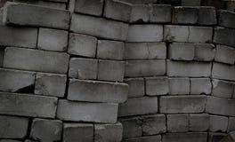 Texturera högen av övergav smutsiga och gamla tegelstenar r royaltyfri foto