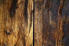 Texturerad yttersida av gamla träbräden royaltyfria bilder