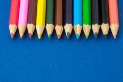 Texturerade nya kulöra blyertspennor Fotografering för Bildbyråer
