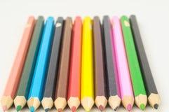 Texturerade nya kulöra blyertspennor Royaltyfri Fotografi