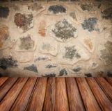Den splittrade stenväggen texturerar Royaltyfria Foton