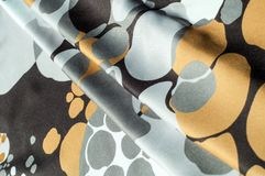 Textuur, achtergrond, patroon Abstract patroon op een zijdestof, Royalty-vrije Stock Foto's