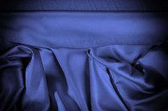 Textuur, achtergrond, patroon De donkerblauwe sering van de zijdestof dit Royalty-vrije Stock Fotografie