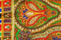 Textuur, achtergrond, patroon De sjaal van de vrouw, sjaal Heldere kleur Royalty-vrije Stock Foto