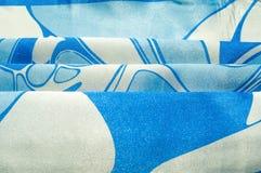 Textuur, achtergrond, patroon De de zijdezakdoek van een vrouw sjaal Royalty-vrije Stock Foto's