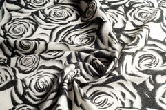 Textuur, achtergrond, patroon Een wollen zwart-witte sjaal, r Stock Afbeelding