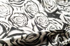 Textuur, achtergrond, patroon Een wollen zwart-witte sjaal, r Stock Fotografie