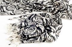 Textuur, achtergrond, patroon Een wollen zwart-witte sjaal, r Royalty-vrije Stock Afbeeldingen