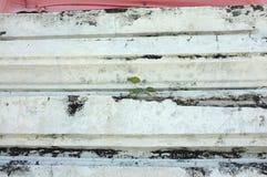 Textuur van bevlekte cementmuur met treden royalty-vrije stock foto's