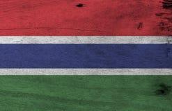 Textuur van de Grunge de Gambiaanse vlag, rode blauwe en groene kleur en gescheiden door narrowband van wit stock foto