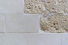 Textuur van de muur in de oude stad Royalty-vrije Stock Afbeeldingen
