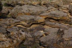 Textuur van de steen dichtbij het overzees royalty-vrije stock afbeelding