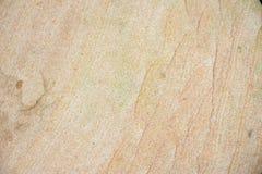 Textuur van een grote mooie vlotte steen op de overzeese kust royalty-vrije stock foto