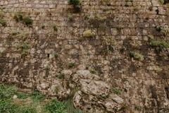 Textuur van een steenmuur De oude achtergrond van de de muurtextuur van de kasteelsteen Steenmuur als achtergrond of textuur Een  stock afbeelding