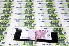 Textuur van honderden euro en geopende portefeuille Stock Fotografie