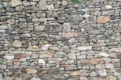 Textuur van oude doorstane middeleeuwse steenmuur Royalty-vrije Stock Afbeelding