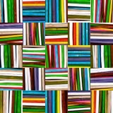 Textuurachtergrond van gekleurde houten stokken Stock Afbeelding