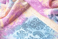 Textuurachtergrond, zijdestof, met abstract patroon Bl Stock Foto's