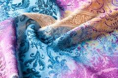 Textuurachtergrond, zijdestof, met abstract patroon Bl Royalty-vrije Stock Foto's