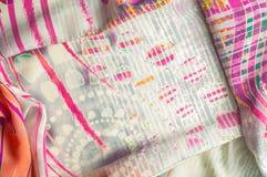 Textuurachtergrond, Zijdestof met abstract patroon col. Royalty-vrije Stock Afbeeldingen