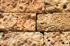 Textuurmuur van blokken wordt gebouwd dat Royalty-vrije Stock Foto's