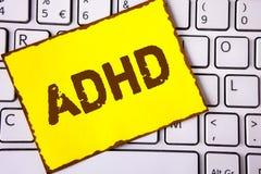 Textzeichen, das Adhd zeigt Begriffsfoto Lernen einfacher für das Kinderunterrichten nicht mehr eine schwierige Aufgabe gemacht g Stockfotografie