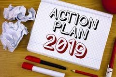 Textzeichen, das Aktionsplan 2019 zeigt Begriffsfoto Herausforderungs-Ideen-Ziele, damit neues Jahr-Motivation beginnt Lizenzfreie Stockbilder