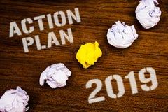 Textzeichen, das Aktionsplan 2019 zeigt Begriffsfoto Herausforderungs-Ideen-Ziele, damit neues Jahr-Motivation Ideenkonzepte abfa Lizenzfreies Stockfoto