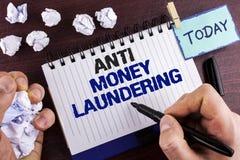 Textzeichen, das Anti-Monay Laundring zeigt Hereinkommende Projekte des Begriffsfotos, zum des weg schmutzigen Geldes zu erhalten stockfotos