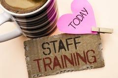 Textzeichen, das Ausbildung des Personals zeigt Begriffsfoto unterrichtende Teamwork neue Sachen Angestellt-Bildungs-Vorbereitung Stockfotos