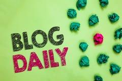 Textzeichen, das Blog-Tageszeitung zeigt Tägliche Aufgabe des Begriffsfotos jedes möglichen Ereignisses über Internet oder Medien lizenzfreie stockfotografie