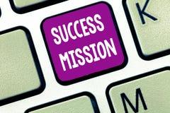 Textzeichen, das Erfolgs-Auftrag zeigt Begriffsfoto, das Arbeit erledigt auf perfekte Art ohne Fehler Aufgabe gemacht erhält lizenzfreies stockfoto