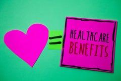 Textzeichen, das Gesundheitswesen-Nutzen zeigt Begriffsfoto ist es Versicherung, die das Krankheitskosten Hirschgedächtnis-Liebes lizenzfreie stockfotos