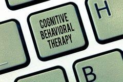 Textzeichen, das kognitive Verhaltenstherapie zeigt Psychologische Behandlung des Begriffsfotos für Geistesstörungen lizenzfreies stockbild