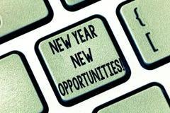 Textzeichen, das neues Jahr-neue Gelegenheiten zeigt Begriffsfoto Neustart-Motivationsinspiration 365 Tagtaste Absicht lizenzfreie abbildung