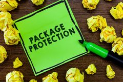 Textzeichen, das Paket-Schutz zeigt Das Begriffsfoto, das Einzelteile einwickelt und sichert, um Schaden zu vermeiden, beschrifte stockbilder