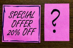 Textzeichen, das Sonderangebot 20 vorführt Begriffsfoto Rabatt-Förderung Verkäufe verkaufen das violette Schwarze des Marketing-A Stockbild