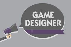 Textzeichen, das Spiel-Designer zeigt Grafiken Begriffsder foto Aktivist-Pixel-bemannen Skiptprogrammierer-Konsolen-3D das Halten stock abbildung