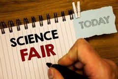 Textzeichen, das Wissenschafts-Messe zeigt Begriffsfotos Schulwettbewerb, wo Kandidaten die projectsMan Schaffung für heutigen Ta stockfotografie