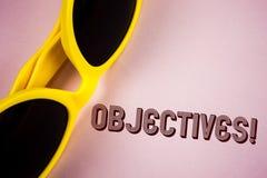 Textzeichen, das Zielen Motivanruf zeigt Begriffsfoto Ziele planten erzielt zu werden wünschten die Ziele, die auf einfachen Pin  lizenzfreies stockfoto