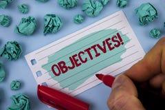 Textzeichen, das Zielen Motivanruf zeigt Begriffsfoto Ziele planten erzielt zu werden wünschten die Ziele, die vom Mann auf PA ge stockbilder