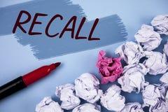Textzeichen-Vertretung Rückruf Begriffsfoto holen zurück zu dem Gedächtnis, welches die Rückkehr einer Person oder des Produktes  stockbild