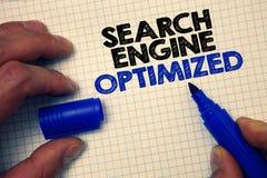Textzeichen, welches die Suchmaschine optimiert zeigt Begriffsfoto, das on-line-Sicht für Website- oder Blog Zeichenpapiers- mit  Stockbilder